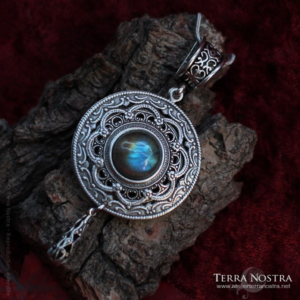 """""""The Witch's Sky"""" Pendant"""