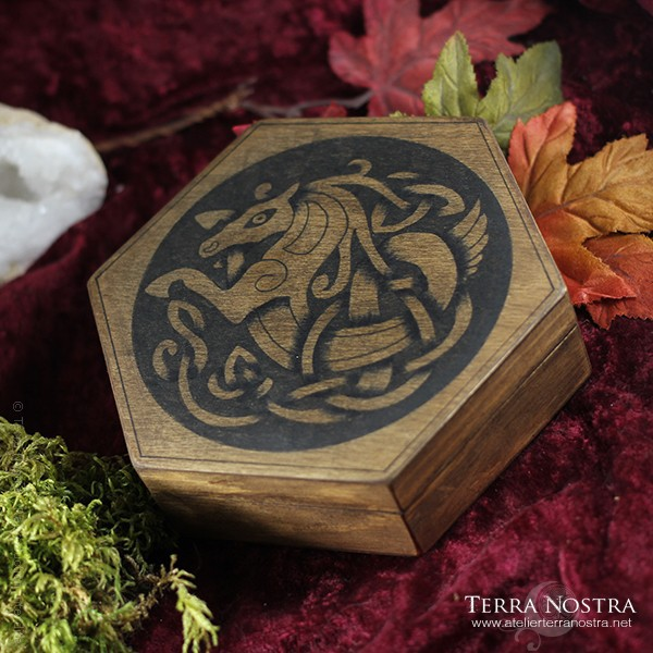 "Coffret hexagonal ""Epona"""